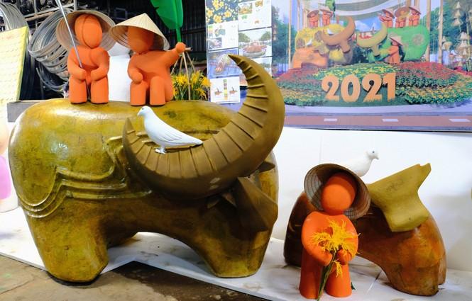 Tận thấy công đoạn chế tác linh vật phục vụ đường hoa Nguyễn Huệ Tết Tân Sửu 2021 - ảnh 9