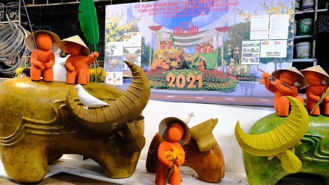 Tận thấy công đoạn chế tác linh vật phục vụ đường hoa Nguyễn Huệ Tết Tân Sửu 2021 - ảnh 10