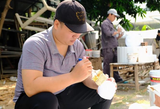 Tận thấy công đoạn chế tác linh vật phục vụ đường hoa Nguyễn Huệ Tết Tân Sửu 2021 - ảnh 22