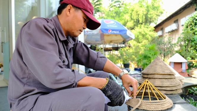 Tận thấy công đoạn chế tác linh vật phục vụ đường hoa Nguyễn Huệ Tết Tân Sửu 2021 - ảnh 17