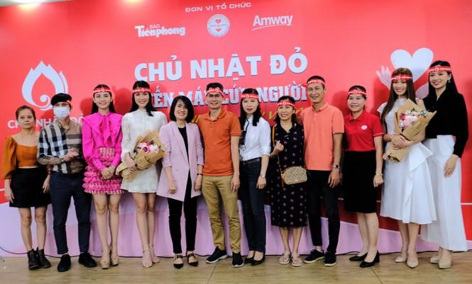 Dàn Á hậu, người đẹp HHVN khuấy động Chủ nhật Đỏ tại TPHCM - ảnh 3