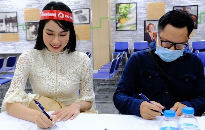 Dàn Á hậu, người đẹp HHVN khuấy động Chủ nhật Đỏ tại TPHCM - ảnh 4