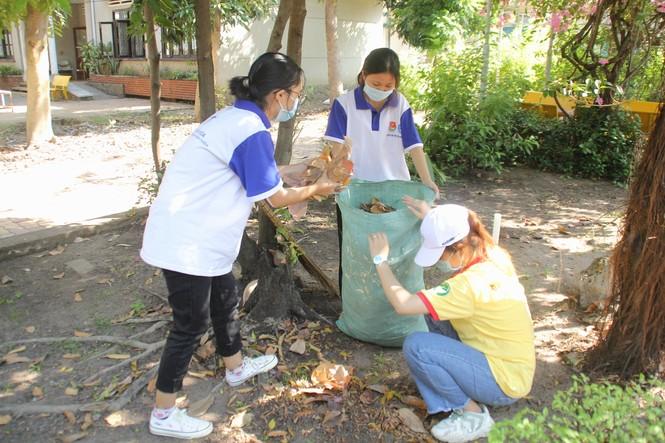 Ra quân Xuân tình nguyện, bạn trẻ TPHCM hiến máu, chỉnh trang viện dưỡng lão - ảnh 7