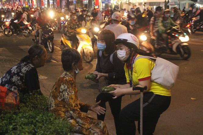 Người nghèo xúc động trước nghĩa cử của các chiến sỹ 'Xuân tình nguyện' - ảnh 3