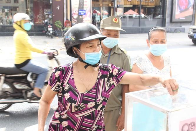 Người dân TPHCM hào hứng giải cứu nông sản Hải Dương - Ảnh 4.