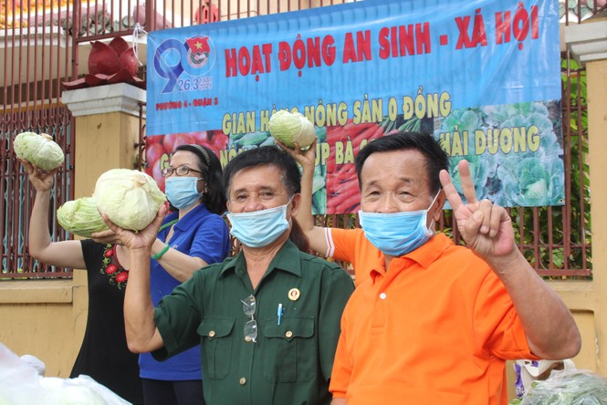 Người dân TPHCM hào hứng giải cứu nông sản Hải Dương - Ảnh 16.