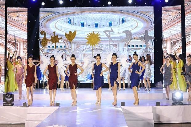 Mai Hiếu Ngân đăng quang Hoa khôi Miss HUTECH 2021 - ảnh 1