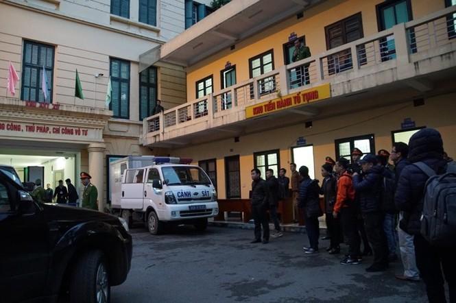 Đoàn xe dẫn giải ông Đinh La Thăng và đồng phạm về trại tạm giam - ảnh 3