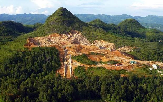 Thêm siêu dự án 'vượt rào xẻ núi' làm du lịch ở Hà Giang - ảnh 1