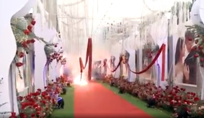 Tạm giữ 2 người đốt pháo đỏ đường ở đám cưới tại Hà Nội - ảnh 3