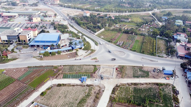 Đình chỉ công trình vi phạm hành lang an toàn giao thông ở Hưng Yên - ảnh 3