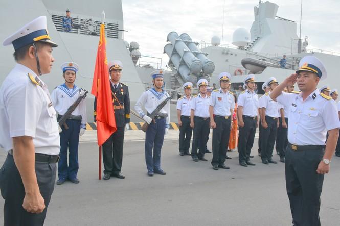Tàu hộ vệ tên lửa Quang Trung về quân cảng sau hải trình 4.600 hải lý - ảnh 2
