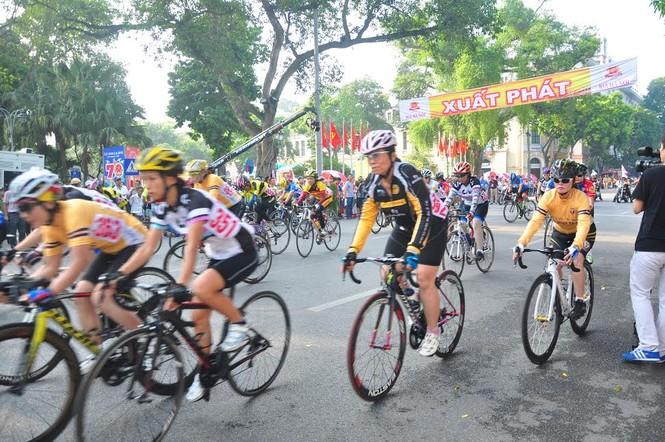 Bia Hà Nội đồng hành cùng Giải đua xe đạp Hà Nội mở rộng 2016 - ảnh 1