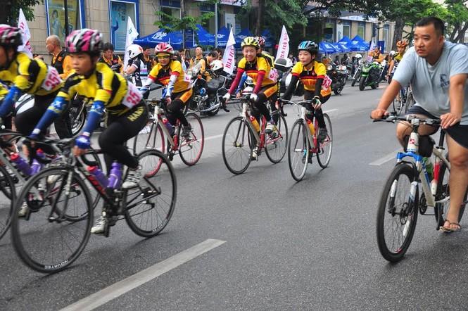 Bia Hà Nội đồng hành cùng Giải đua xe đạp Hà Nội mở rộng 2016 - ảnh 2
