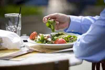 Cải thiện triệu chứng tăng cân cho người bị suy giáp - ảnh 1