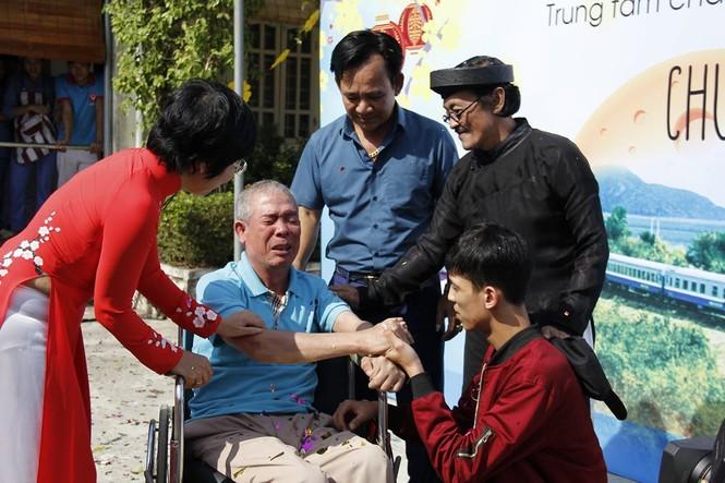 """Quang Tèo-Giang Còi hội ngộ cùng Uyên Linh trong """"Chuyến tàu yêu thương"""" - ảnh 1"""
