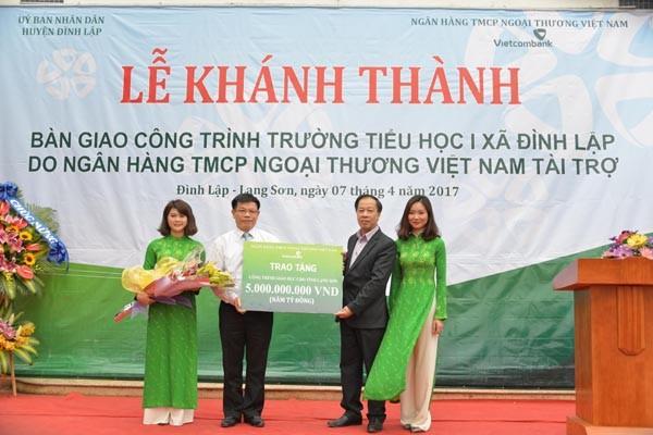 Vietcombank khánh thành và bàn giao công trình Trường Tiểu học 1 xã Đình Lập - ảnh 1
