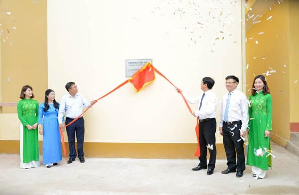 Vietcombank khánh thành và bàn giao công trình Trường Tiểu học 1 xã Đình Lập - ảnh 3