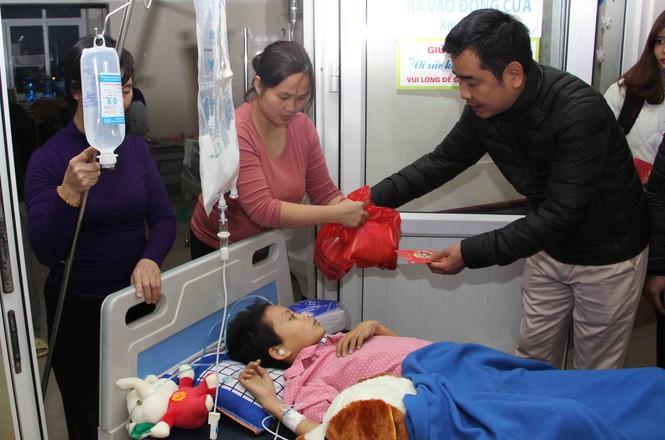 Mang Xuân yêu thương đến với bệnh nhân nhi ung thư - ảnh 6