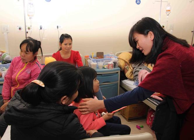Mang Xuân yêu thương đến với bệnh nhân nhi ung thư - ảnh 12