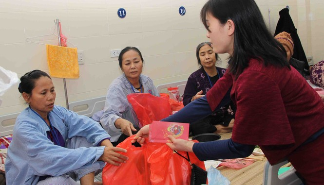 Mang Xuân yêu thương đến với bệnh nhân nhi ung thư - ảnh 3