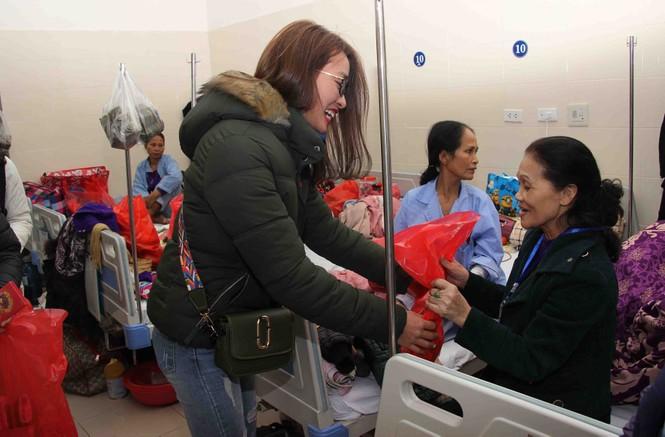 Mang Xuân yêu thương đến với bệnh nhân nhi ung thư - ảnh 4