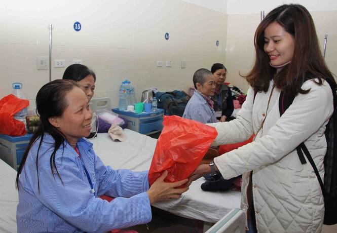 Mang Xuân yêu thương đến với bệnh nhân nhi ung thư - ảnh 5