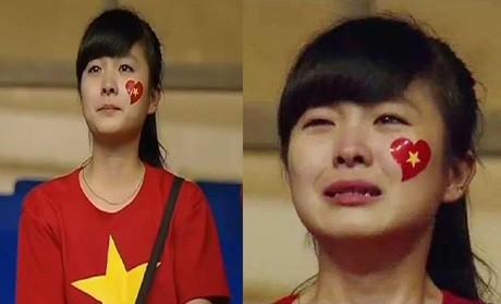 Nữ CĐV đáng yêu bật khóc vì U19 Việt Nam gây sốt mạng - ảnh 2