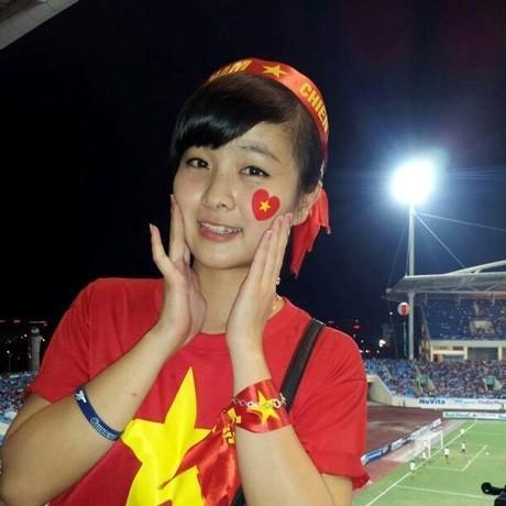 Nữ CĐV đáng yêu bật khóc vì U19 Việt Nam gây sốt mạng - ảnh 7