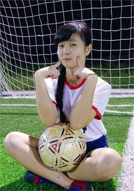 Nữ CĐV đáng yêu bật khóc vì U19 Việt Nam gây sốt mạng - ảnh 9