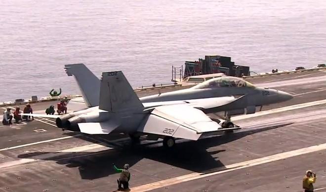 Cuộc sống trên tàu sân bay Mỹ không kích Syria - ảnh 6