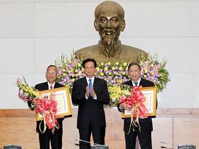 Trao Huân chương Hồ Chí Minh cho 2 nguyên Phó Thủ tướng  - ảnh 1