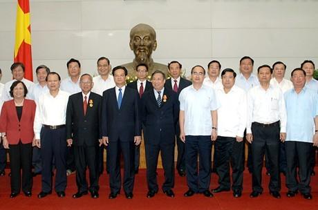 Trao Huân chương Hồ Chí Minh cho 2 nguyên Phó Thủ tướng  - ảnh 2