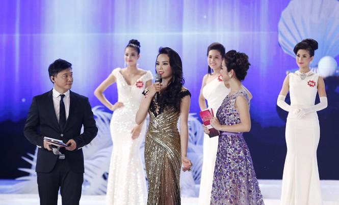 Phần thi ứng xử của 5 thí sinh Hoa hậu Việt Nam - ảnh 2