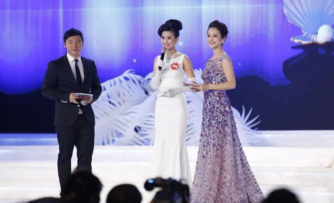 Phần thi ứng xử của 5 thí sinh Hoa hậu Việt Nam - ảnh 3