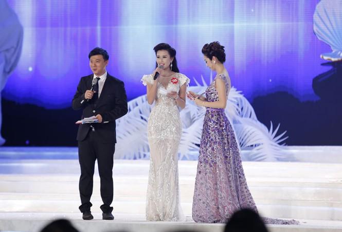 Phần thi ứng xử của 5 thí sinh Hoa hậu Việt Nam - ảnh 4