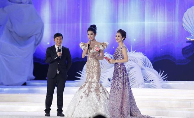 Phần thi ứng xử của 5 thí sinh Hoa hậu Việt Nam - ảnh 5
