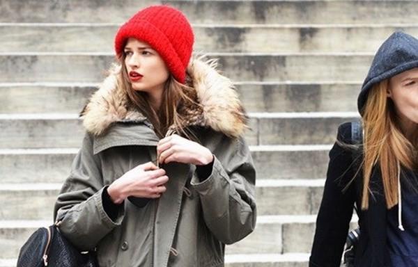 """Những phong cách kết hợp """"cực ăn ý"""" giữa mũ len và kiểu tóc - ảnh 14"""