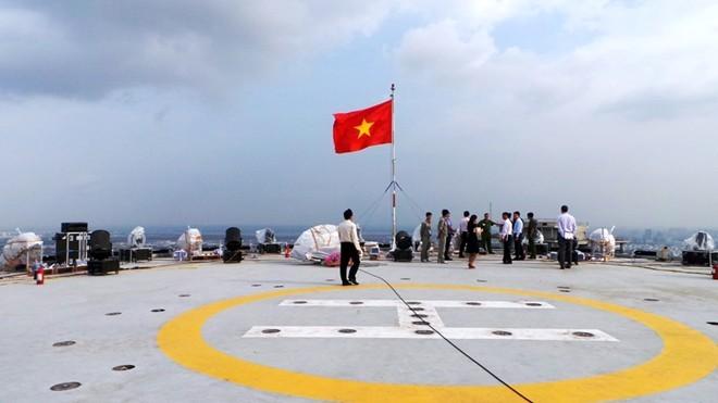Bệ pháo hoa ở sân trực thăng tòa nhà cao nhất Sài Gòn - ảnh 2