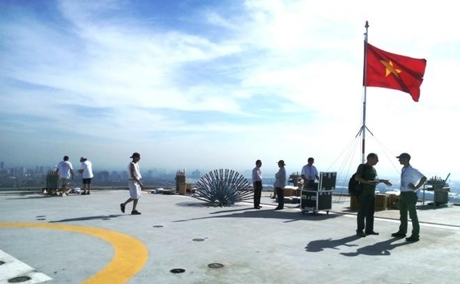 Bệ pháo hoa ở sân trực thăng tòa nhà cao nhất Sài Gòn - ảnh 8