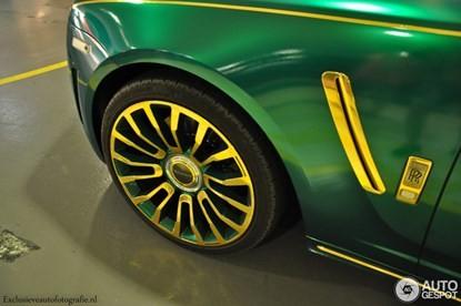 Lóa mắt bởi Rolls-Royce Ghost 'mặc áo' vàng-xanh - ảnh 3