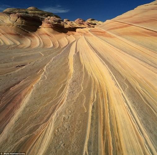 Kỳ lạ 'con mắt thần linh' giữa sa mạc Sahara - ảnh 5