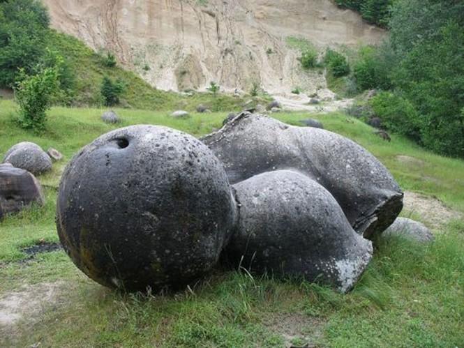 Kỳ lạ hòn đá có thể phình to như nấm sau mưa - ảnh 1