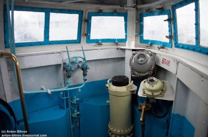 'Đột nhập' tàu ngầm cổ nhất Hải quân Ukraine - ảnh 15
