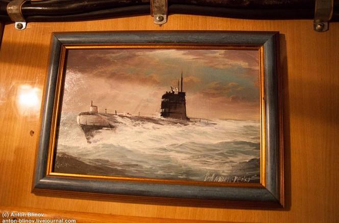 'Đột nhập' tàu ngầm cổ nhất Hải quân Ukraine - ảnh 5
