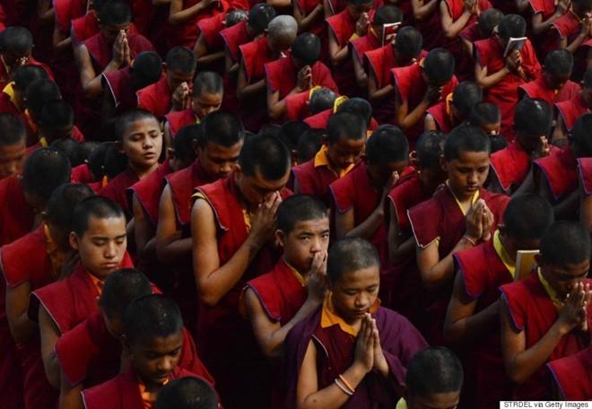 Những hình ảnh xé lòng sau thảm họa động đất Nepal - ảnh 12