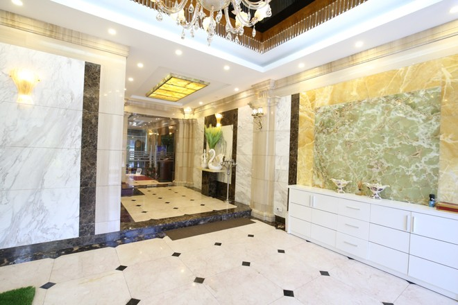 Ngôi nhà 'triệu đô' với đá hoa cương của đại gia Quảng Ninh - ảnh 1