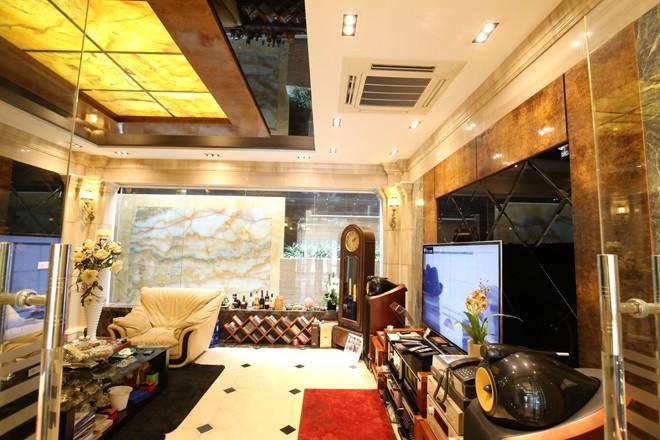 Ngôi nhà 'triệu đô' với đá hoa cương của đại gia Quảng Ninh - ảnh 2