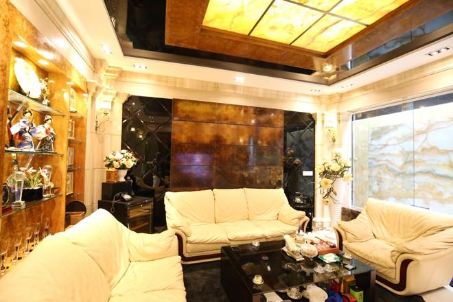 Ngôi nhà 'triệu đô' với đá hoa cương của đại gia Quảng Ninh - ảnh 3