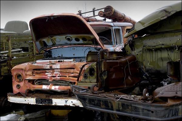 Nghĩa địa trực thăng, xe cứu hỏa sau thảm họa Chernobyl - ảnh 6